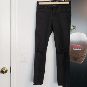 Uniqlo Ripped knee black jeans